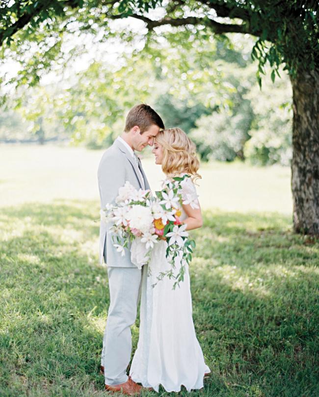 Ανοιξιάτικη ανθοδέσμη που όλες θέλουμε για τον γάμο μας!