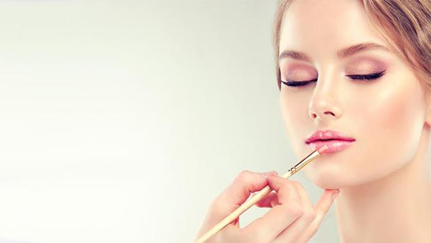 Νυφικο μακιγιαζ για ξανθιες που τονίζουν τα υπέροχα χαρακρηριστικά σας.